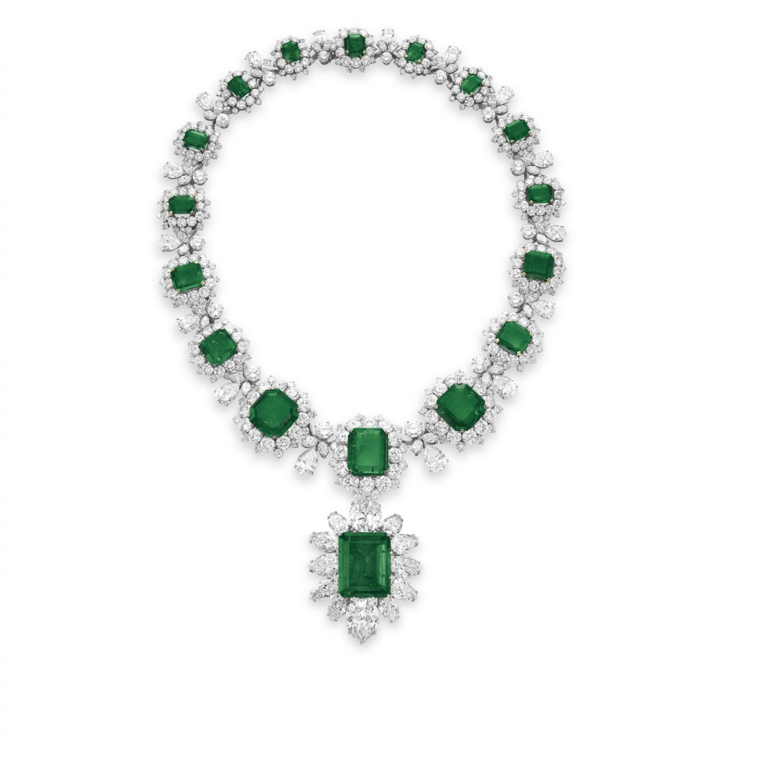 Elizabeth Taylor's Most Extravagant Necklace