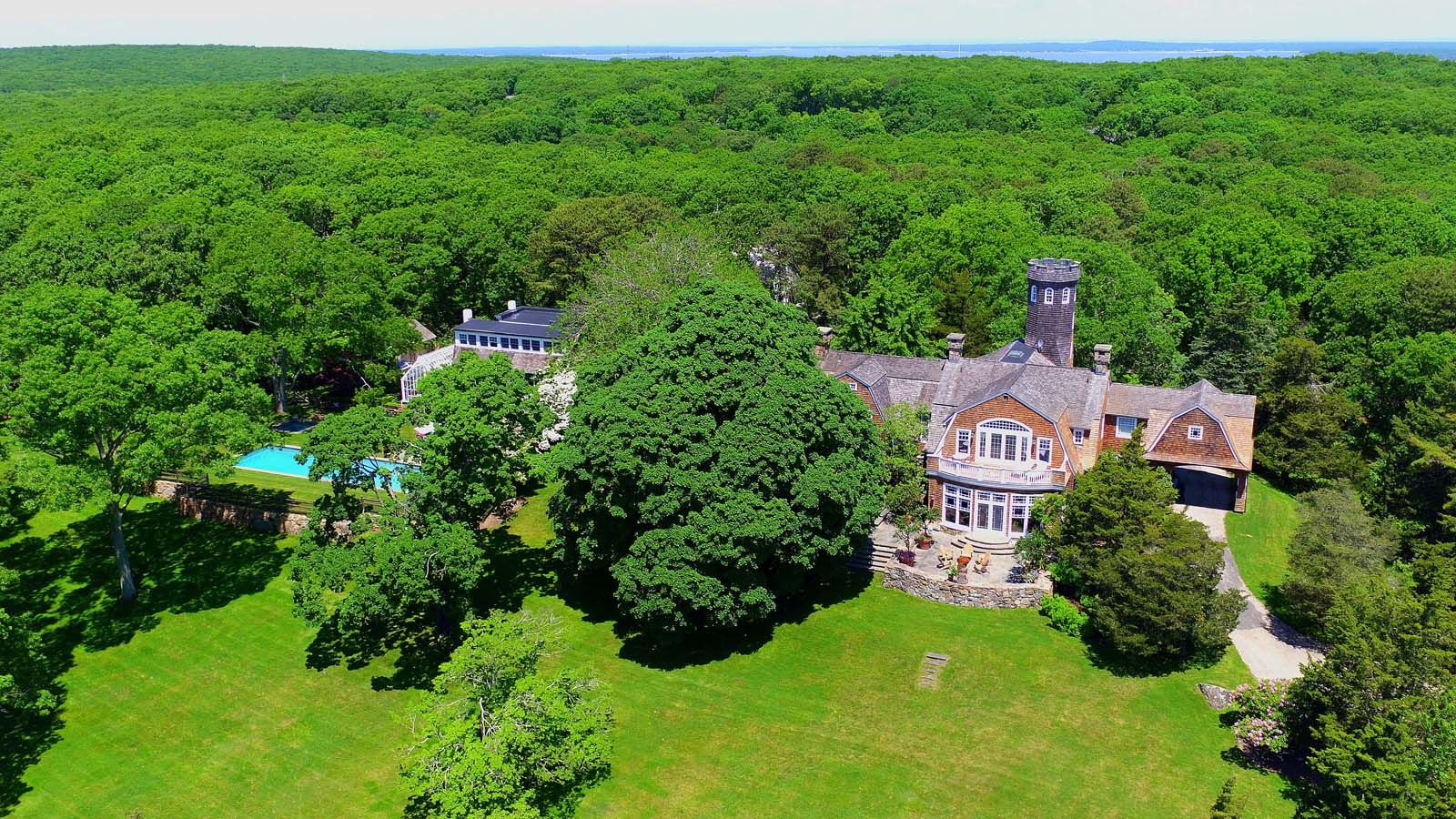 Christie Brinkley's Hamptons Home Hits The Market