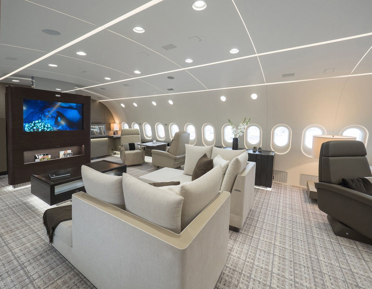 Dreamliner boeing 787 bbj traveling through the sky the right way the extravagant How many hours do interior designers work
