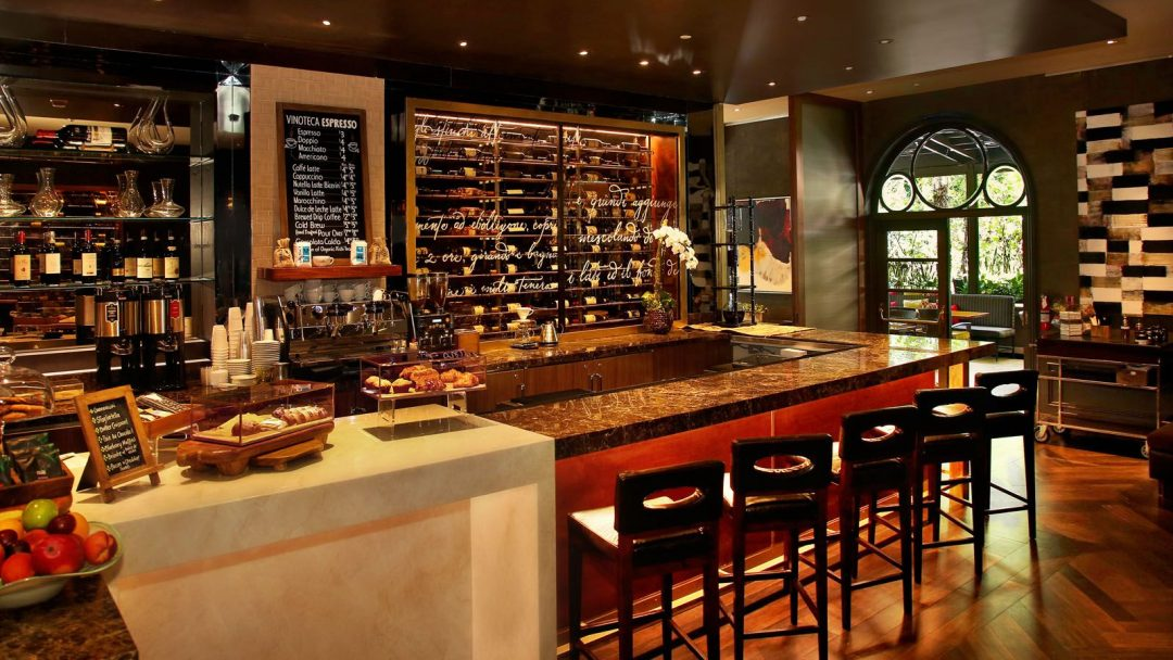 Beverly hills most luxurious wine bar the extravagant - Vinoteca para casa ...