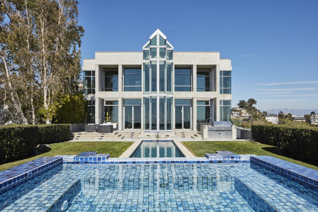 The Luxurious $50 million Los Angeles Skycastle