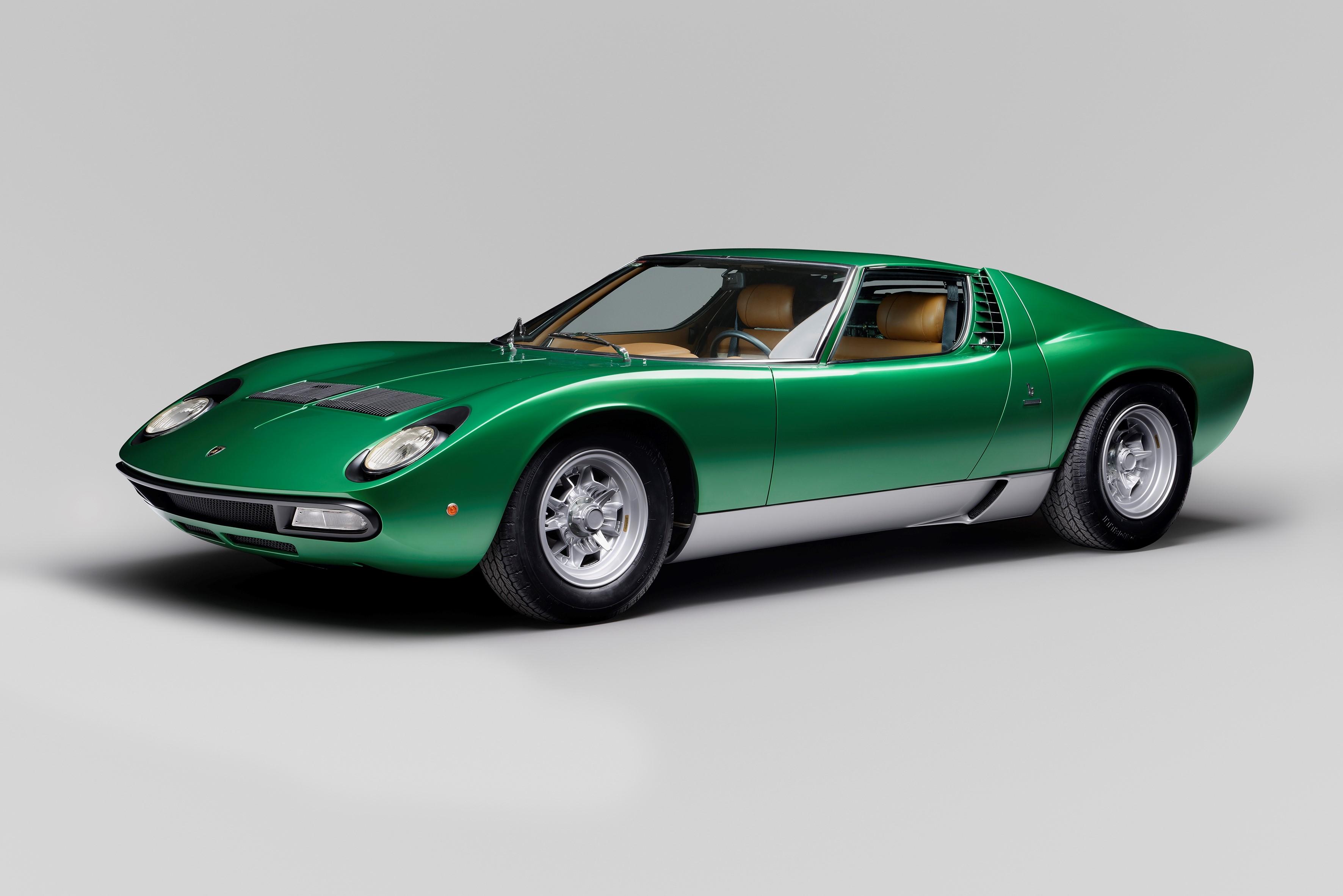 1971 Lamborghini Miura P400 SV Coupé by Bertone: Goodwood Cartier Style et Luxe Concours d'Elegance