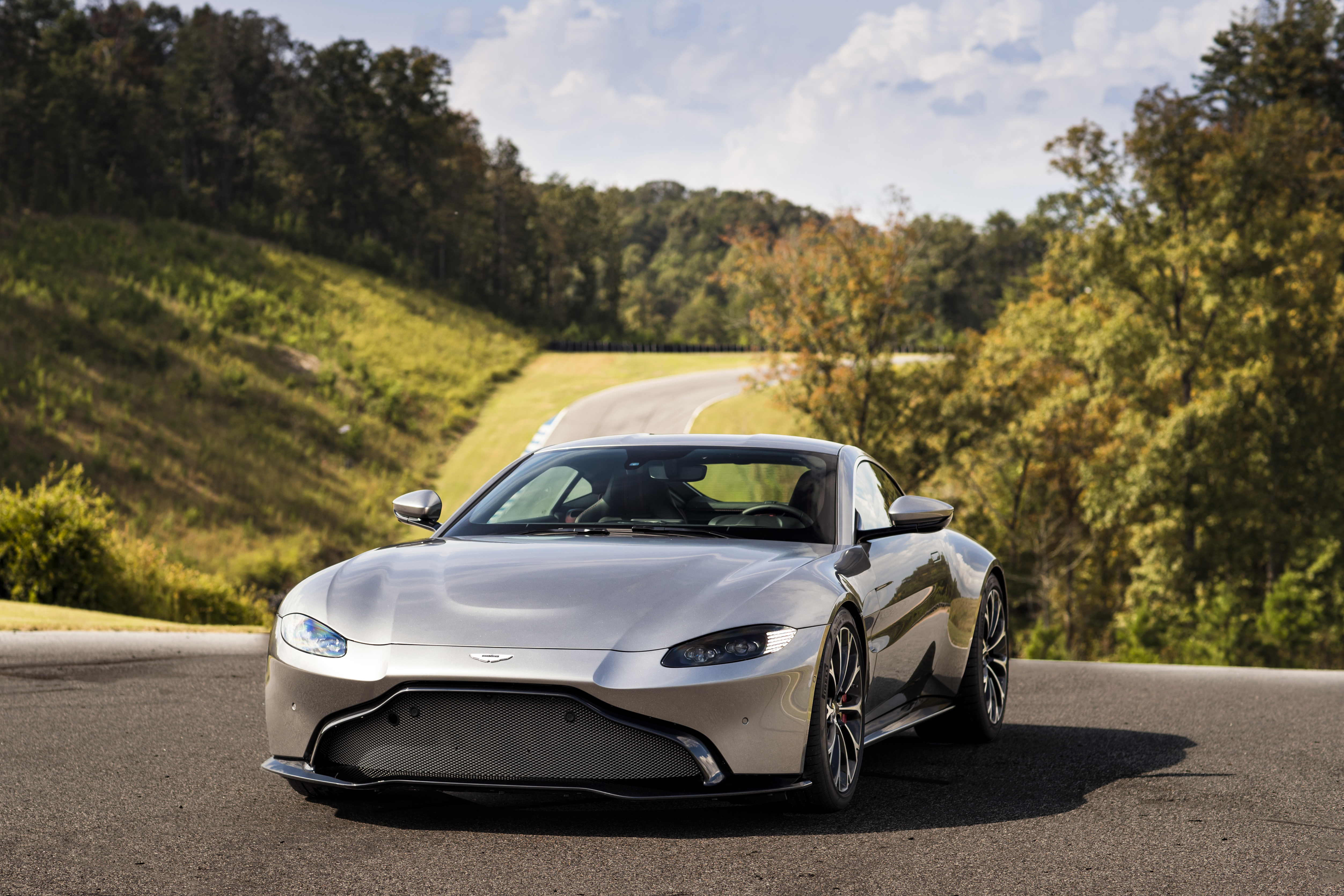 The Epitome of Speed and Elegance: The New Aston Martin Vantage 2018